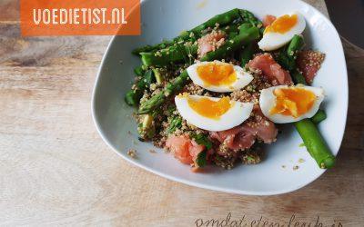 Recept: Quinoa met zalm en groene asperge