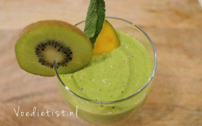 Recept: Plantaardige smoothie met mango en spinazie